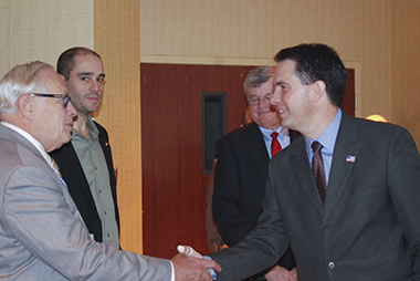 Governor Walker meets Municipality members